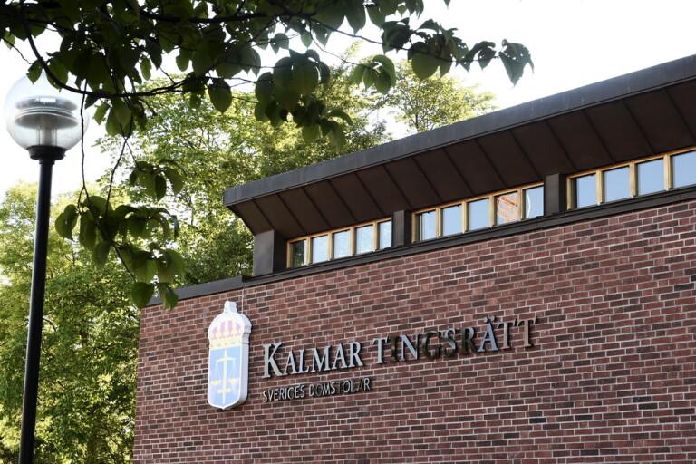 Kalmar tingsrätt dömer två män till sex års fängelse efter våldtäkter mot två tonårsflickor. Arkivbild.
