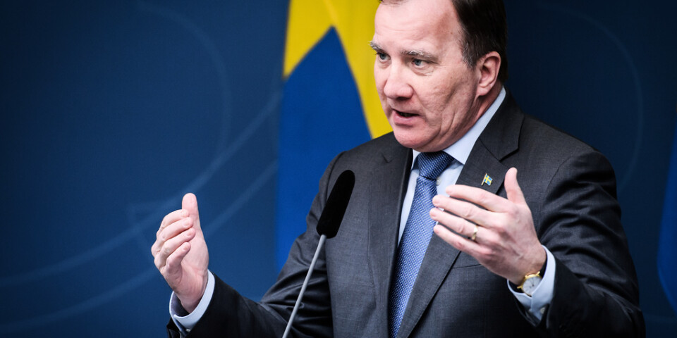 Statsminister Stefan Löfven (S) vill inte att seniormatcher i fotboll ska spelas. Arkivbild.