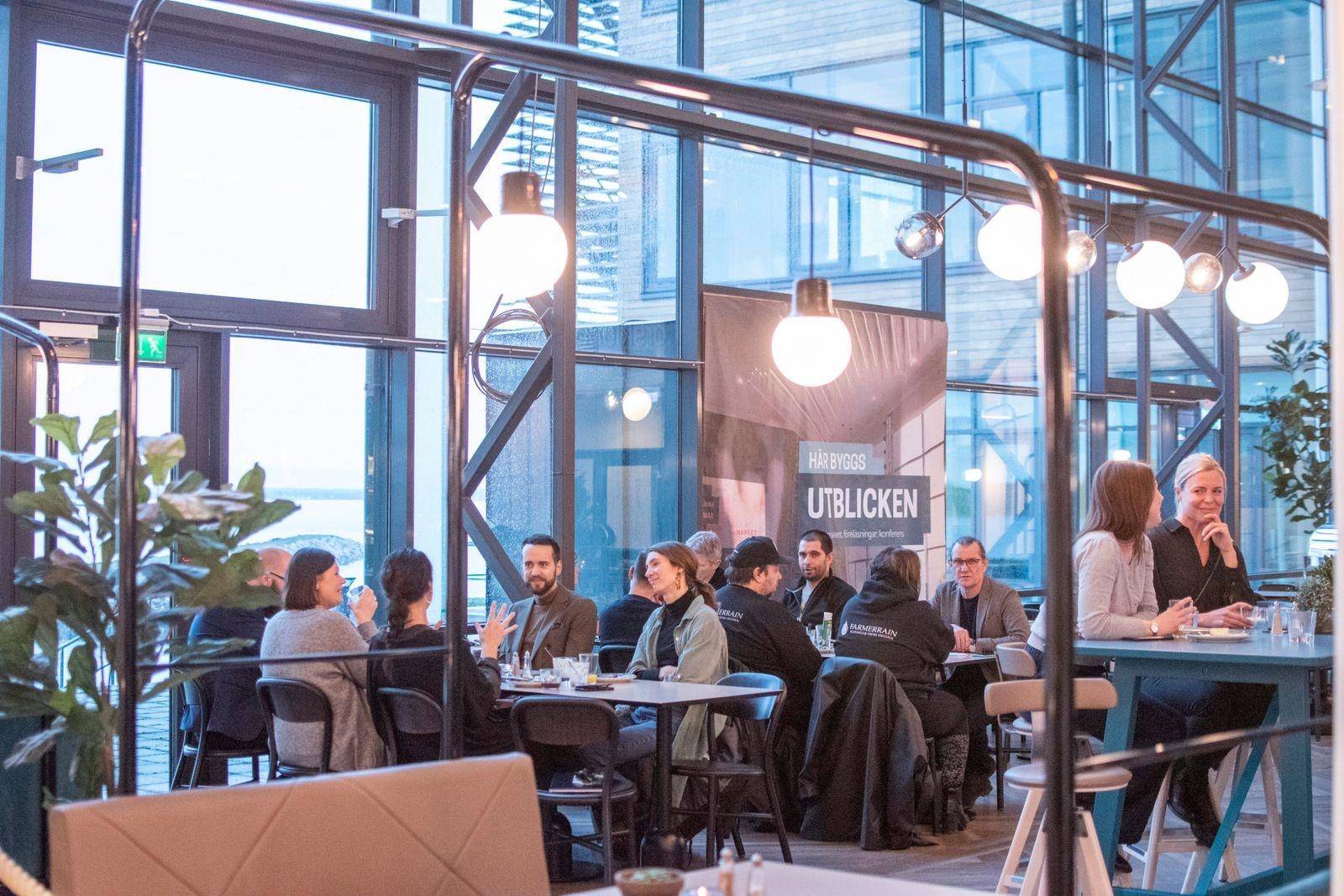 Kontorskollektivets lokaler ligger i nära anslutning till Jonas Mat & Event som dukade upp den frukostbuffé denna fredagsmorgon.