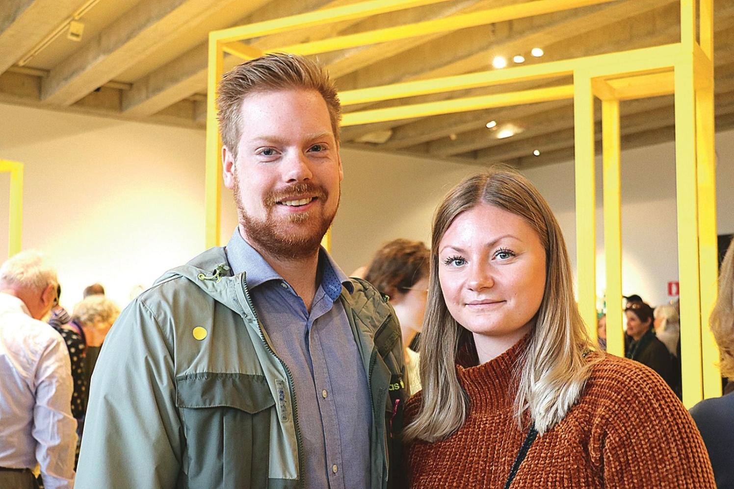 Philip Brosgård och Evelina Johansson hade kommit från Blekinge för att vara med på vernissagen. Philip brukar inte ställa ut sina alster så var glatt överraskad över att få hela fyra verk med i årets Sydosten