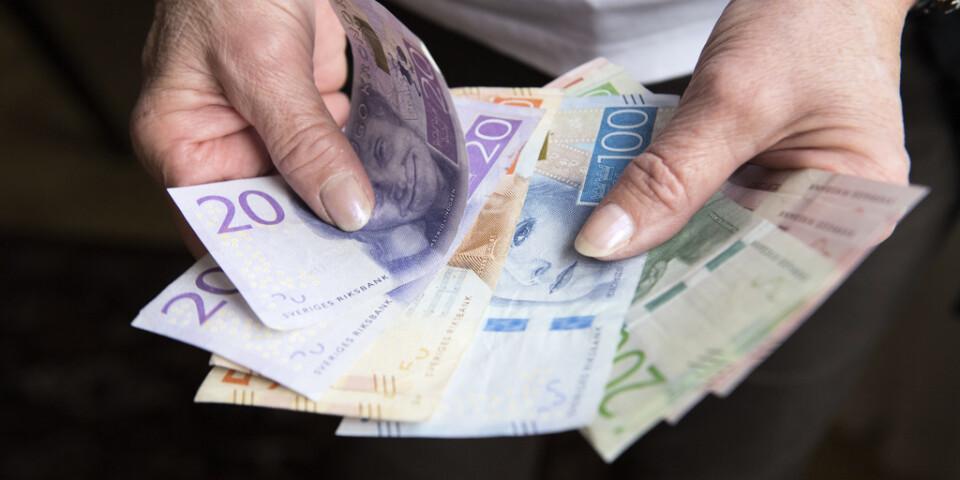 Mer pengar till männen. Arkivbild.