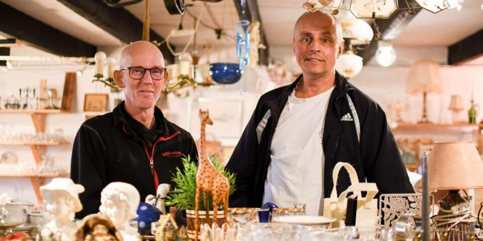 """Både Martin Lundholm och David Lundin uppskattar mötet med kunden. """"Många som kommer hit är väldigt pålästa inom sina respektive intresseområden. Jag har lärt mig fantastiskt mycket under de här femton åren!"""" säger David."""
