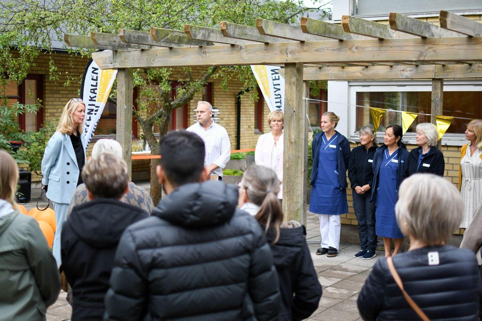 Britta Wallgren, Capios Sverigechef (bilden) invigningstalade tillsammans med Jan Rejdnell, barn och utbildningsnämnden samt Maria Linde Strömberg, socialnämnden.