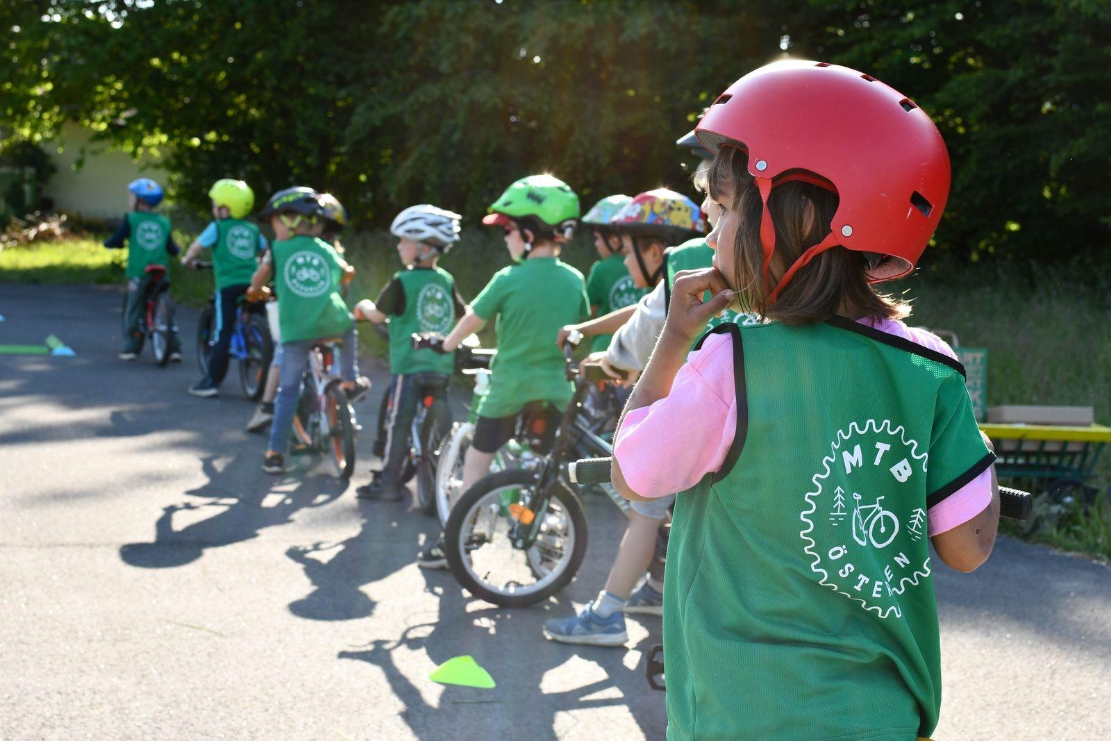 Intresset för cykelklubbens MTB-skola var stort redan från start och under våren har den engagerat omkring fyrtio deltagare i olika åldrar.