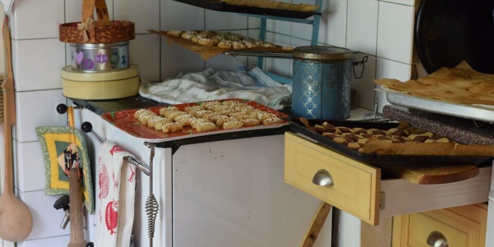 Köket är godkänt för café och ugnen går varm.