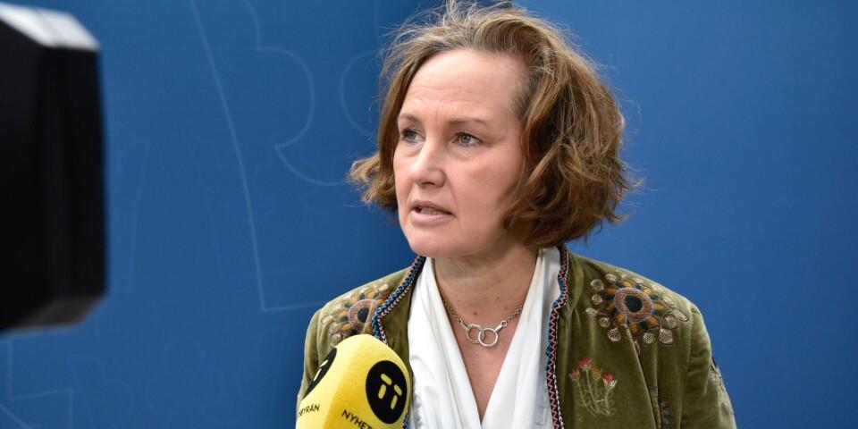 Liberalernas partisekreterare Juno Blom presenterar åtgärder mot hedersbrott.