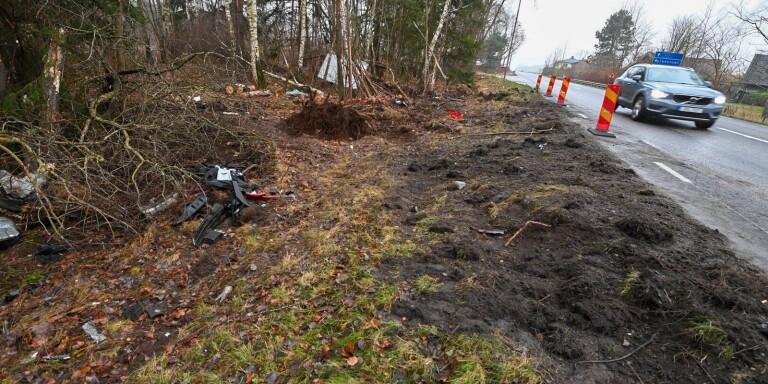 Två döda efter olycka – lastbil krockade med flera fordon