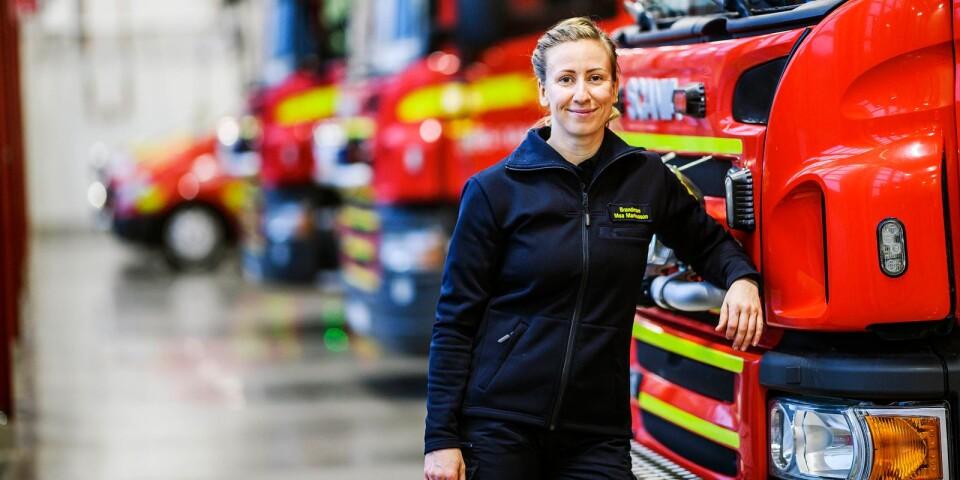 Att hon är den enda kvinnliga brandmannen på stationen tänker hon inte på.