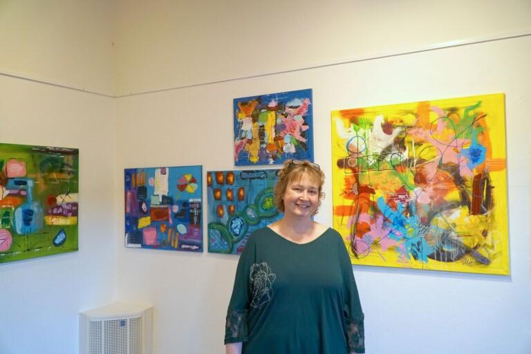 Maria Särnbratt komponerar i färg och form