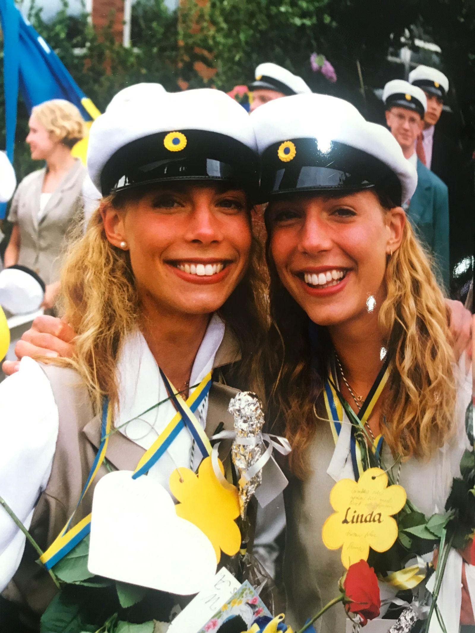 Tvillingarna Annelie och Linda Karlsson lämnade åren med N3A bakom sig på Lars Kagg 1994 och hamnade på Barometerns förstasida.