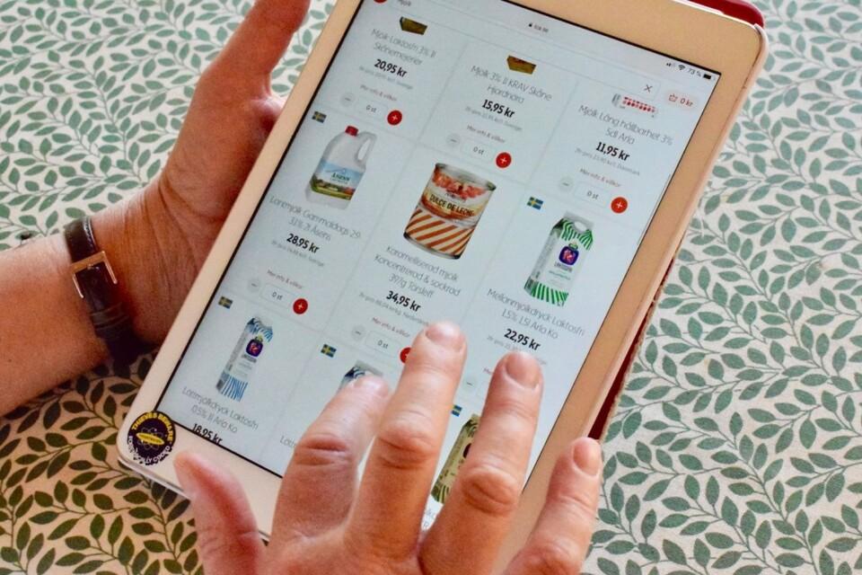 Tjänsten att beställa varor online finns i flera butiker.