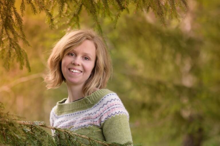 Maria Lindberg: Kungligheter och låtsasvuxna