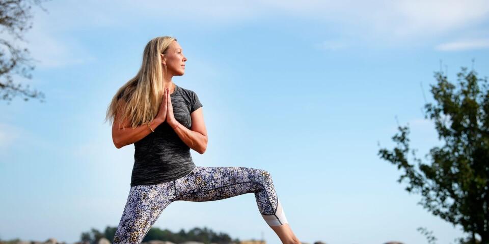 Ulrica Wihlborg som driver Pure yoga tipsar om övningar som får dig att varva ner.