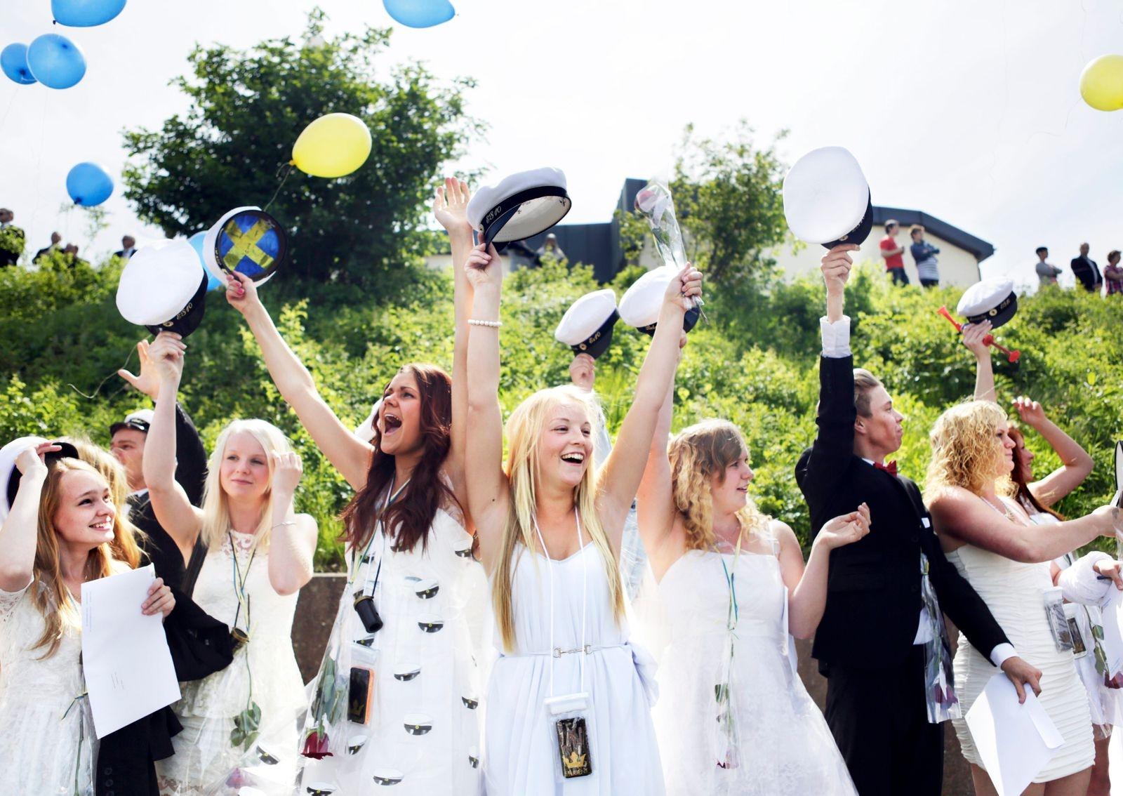 Solen strålade ikapp med studenterna i Oskarshamn vid examen 2013.
