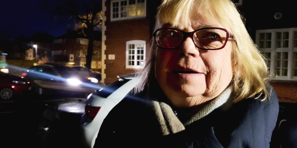 Lill Mullan, från Surbiton i sydvästra London, jobbar som städerska och passade på att rösta innan jobbet.