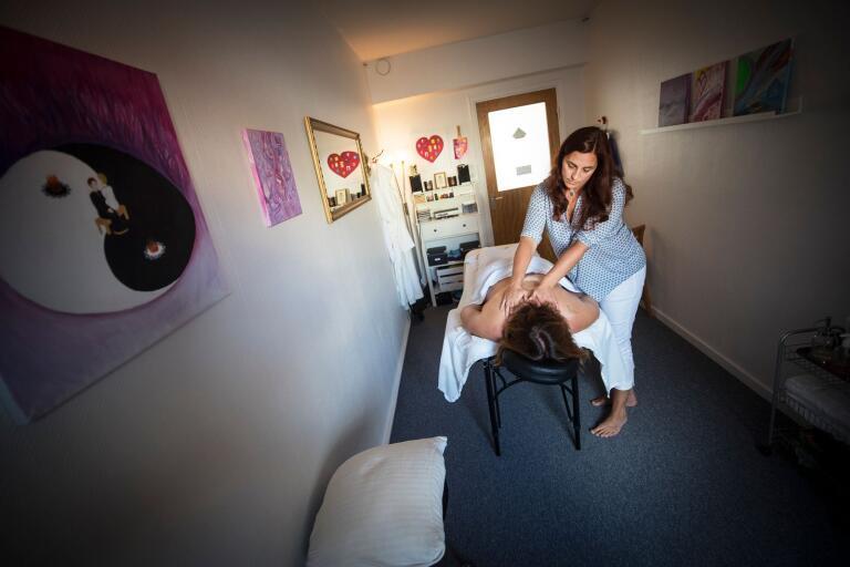 Jenny Ahlberg konstaterar att massage numera är en självklarhet för många.