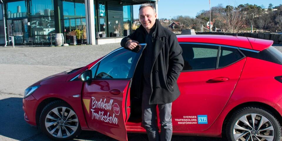 Simon Andersson, trafiklärare på Bodekull trafikskola, ger dig tips som kan göra din körning bättre för både miljön och plånboken.