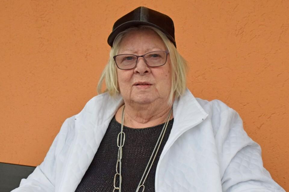 """""""Det funkar bra"""" säger Alice Östberg om hjälpen hon får att handla. Till vårdcentralen och sjukhuset kan hon ta färdtjänst."""
