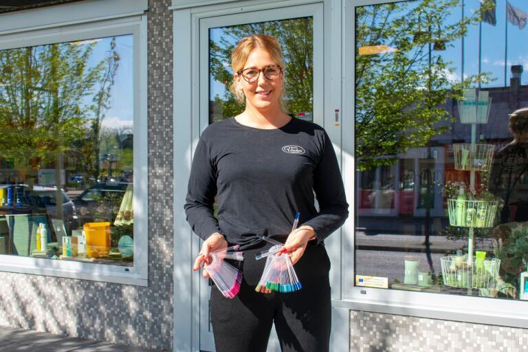 Emily Palander, på Salong Vacker berättar om säsongens nageltrender.