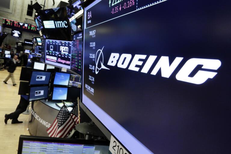 Flygplanstillverkaren Boeing drar ner på personalstyrkan. Arkivbild.