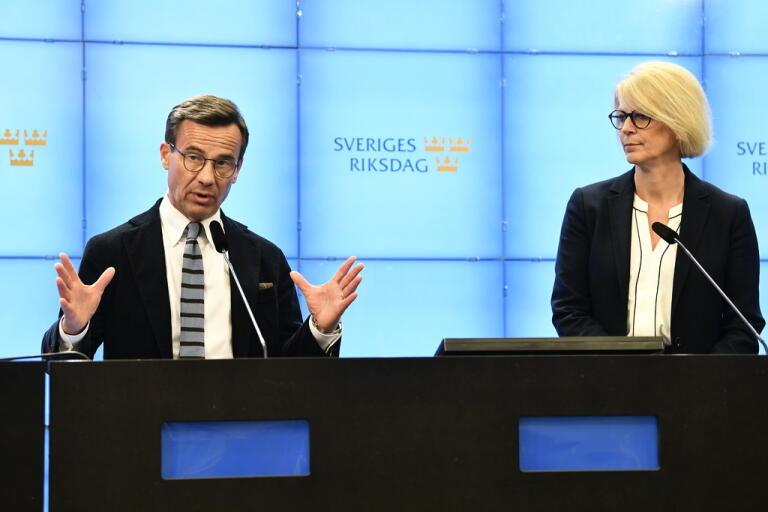 Moderaternas partiledare Ulf Kristersson och ekonomisk-politiska talesperson Elisabeth Svantesson.