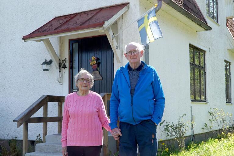 De hade ingen aning om var Hillared låg när de skulle flytta hit. Men Linnea och Henry Jakobsson blev kvar på orten och har i dag stort jubileum.