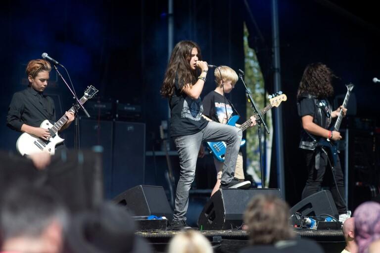 Three Dead Fingers öppnade årets festival vid halv fyra på onsdagen.