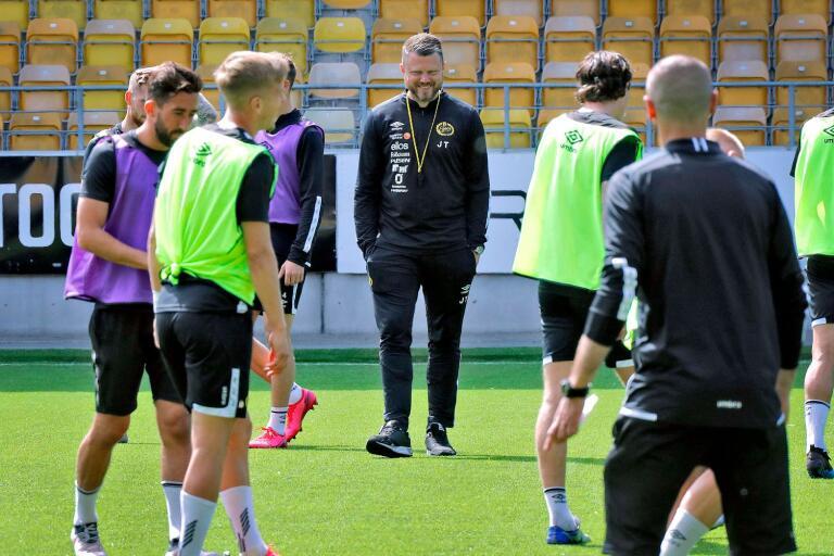 Elfsborgs manager Jimmy Thelin på fredagens träning.
