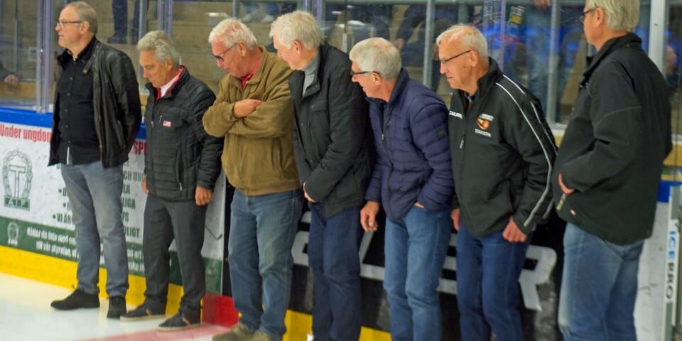 """Anders Rapp, Lars-Göran Johansson, Bengt-Göran """"Mysing"""" Karlsson, Kenneth Ekman, Christer Andersson, Egon """"Pelle"""" Lindberg och Lars-Ingvar Gustafsson intar isen drygt 40 år efter storhetstiden."""