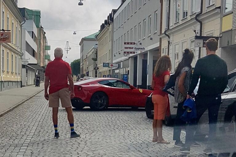 """Ferrariägaren vill ha en ursäkt: """"Han bedömer situationen fruktansvärt fel"""""""