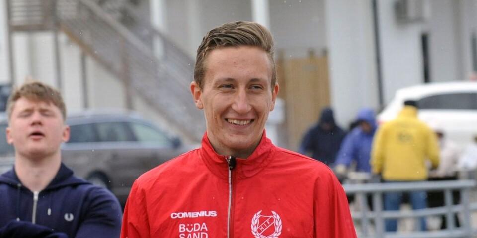 Formstarka Erik Karlsson, Högby IF, springer 5000 meter på helgens J-SM i Göteborg.