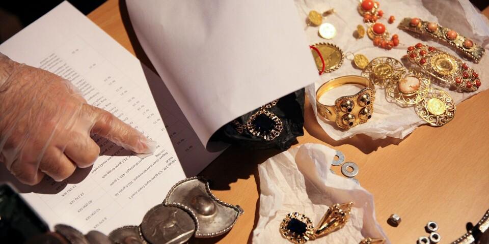 Romska smycken på Österlens museum.