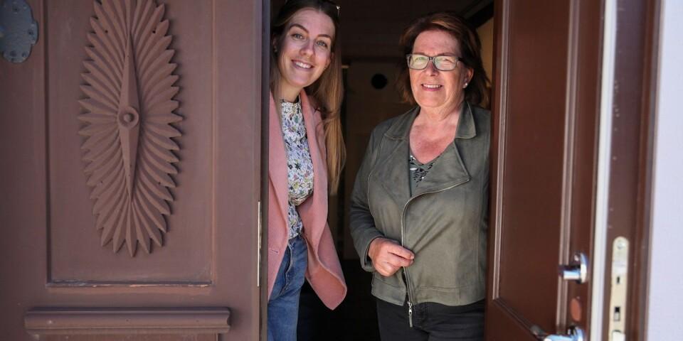 Karin Erlandsson och dottern Kristina Erlandsson, intendent respektive vice intendent på Dag Hammarskjölds Backåkra, ser fram emot att öppna museet för säsongen.