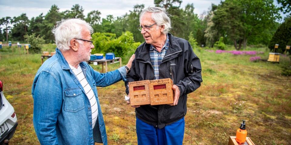Jan Evertsson, stationsföreståndare, tillsammans med Jörgen Helgesson från Värnamo.