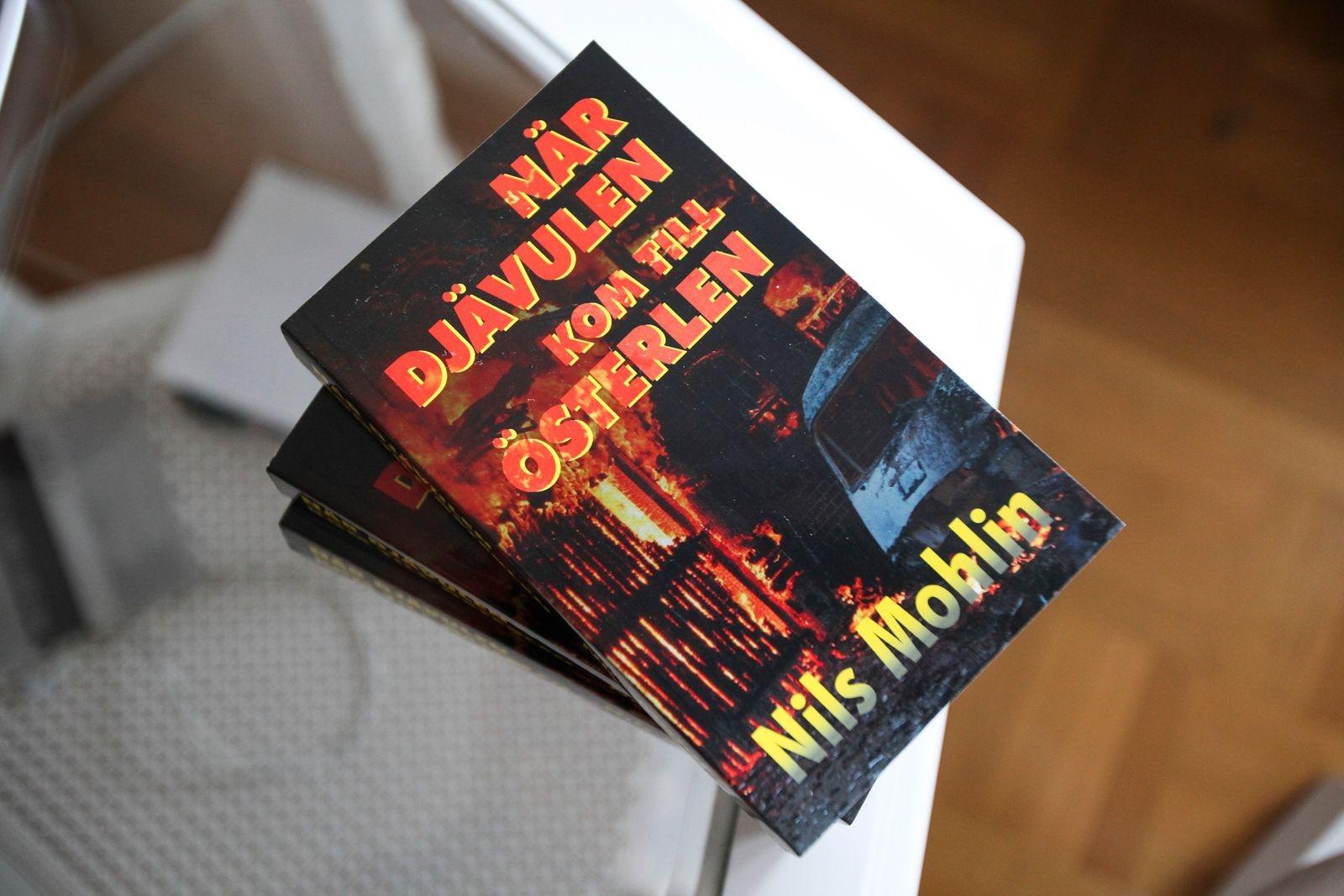 Förra deckaren blev en succé och många läsare har förhandsbokat den nya.