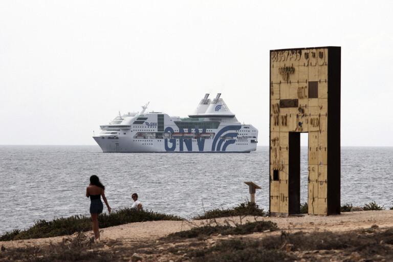 Desperat läge på Lampedusa – läger överfullt