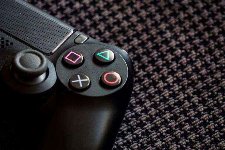 Blåljus: Kvinna utsatt för bedrägeri – transaktioner via tv-spelkonsol