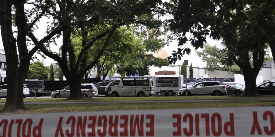 Avspärrningar utanför al-Noor-moskén i centrala Christchurch, dagen efter dåden.