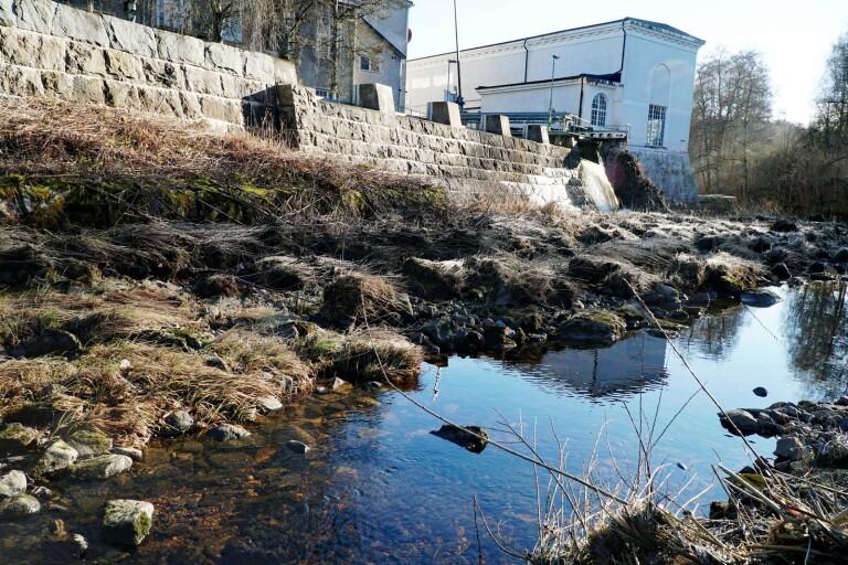 Nya undersökningar efter oljeläckage i Viskan