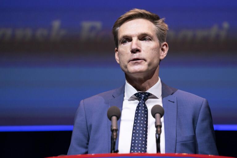 Dansk Folkeparti i kris spelar Sverigekortet