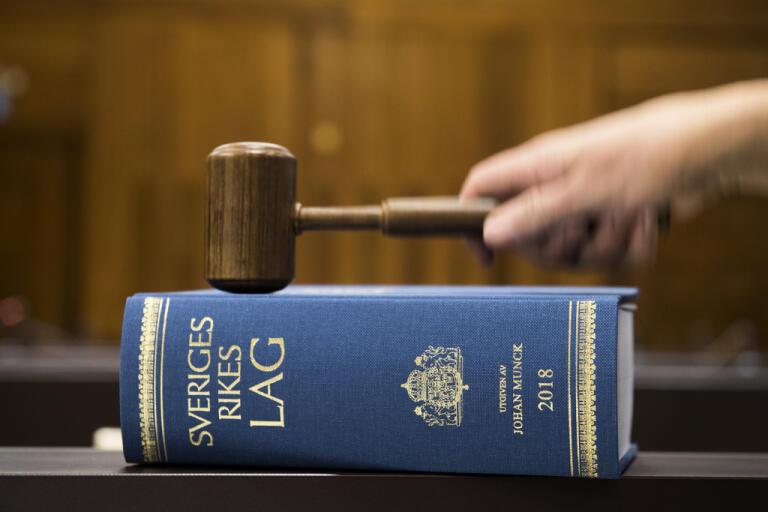 De två högt uppsatta företrädare för fastighetsbolaget Balder som gripits har häktats av tingsrätten på sannolika skäl misstänkta för grova insiderbrott. Arkivbild.