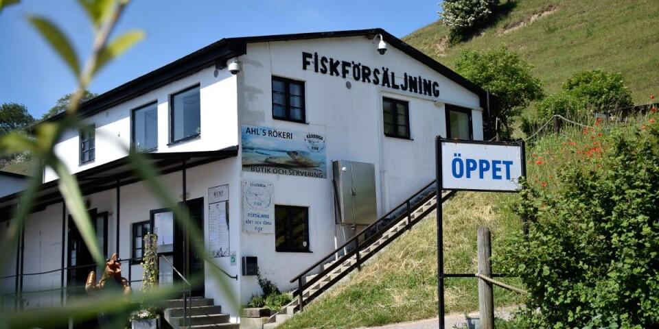 Kåseberga Fisk AB startades 1968 av Leif Ahl och hans far. Allt började i en liten byggnad vid havet. Sedan dess har man byggt ut inte mindre än fyra gånger; år -78, -88 -99 och 2015.