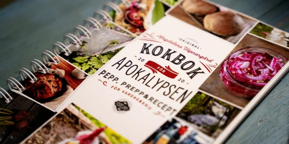 """""""Kokbok för apokalypsen"""" har undertiteln """"Pepp, prepp & recept"""" som avslöjar en del om innehållet."""