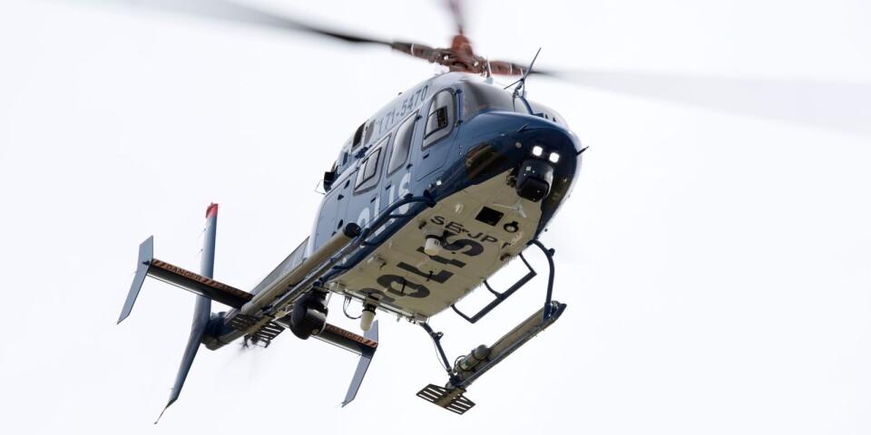 Den försvunne mannen ska sökas med helikopter.