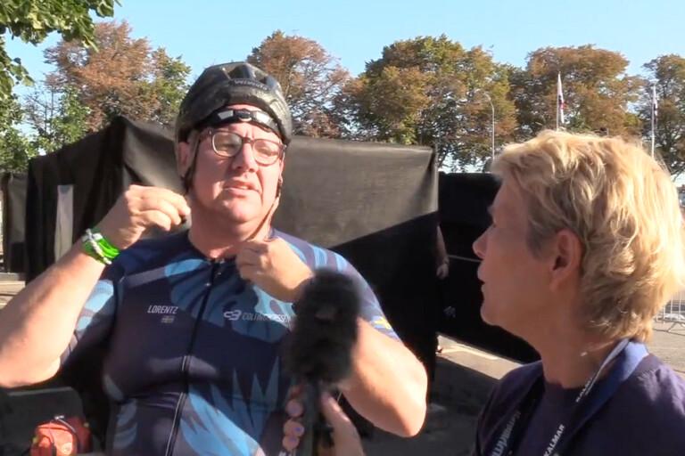 TV: Hade cykelhjälmen bak och fram – blev tv-favorit i Ironman