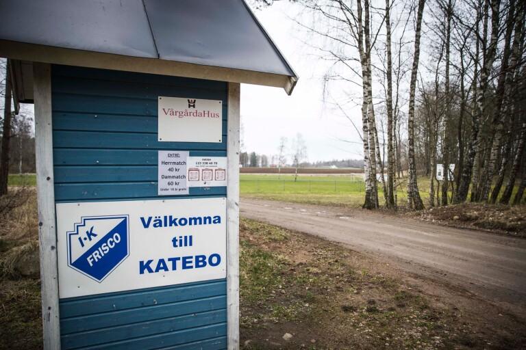Sjuhäradslagen har fått hålla sig på hemmaplan. Friscopojkarna ställde till xempel in ett läger i Halmstad.