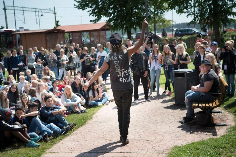 Möllebacken Rock Festival kommer inte att genomföras i Järnvägsparken, men spelningarna livesänds på nätet.
