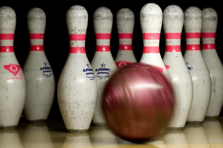 Idel förluster i bowlingen