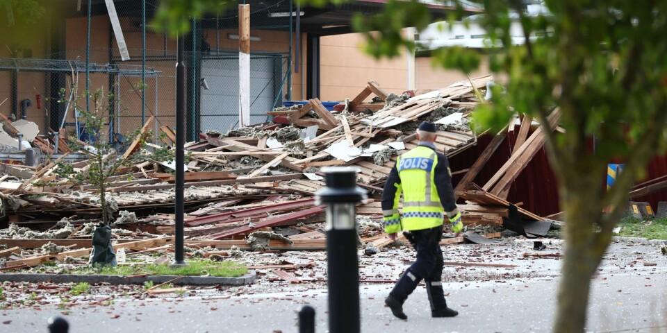 Tidigare i vecka utrymdes bostadsområdet Garnisonen i Linköping sedan polisen hittat en sprängmedelsladdad moped i sitt förråd. Så här såg förrådet ut efteråt.