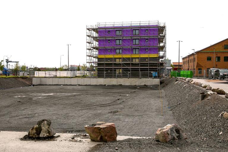 Nu inleds nästa fas vid norra kajen.  BJC går nu vidare med att bygga familjecentral, garage och fler bostäder.
